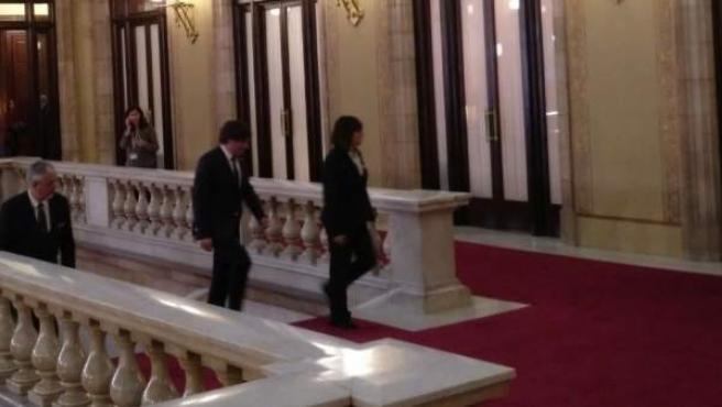 Imagen del presidente Carles Puigdemont llegando al Parlament