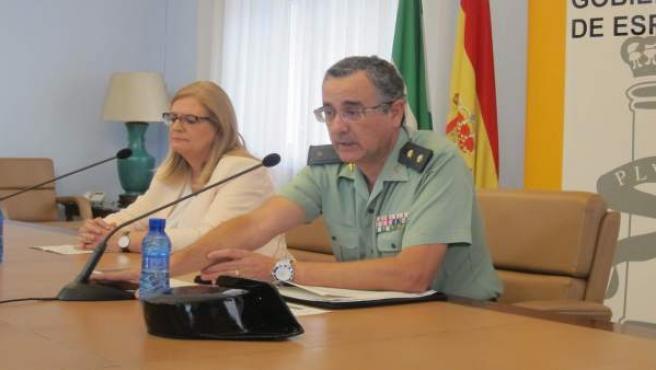 Luis Ortega, en la rueda de prensa junto a la subdelegada, Francisca Molina.