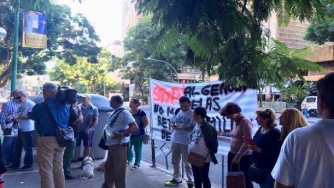 Protesta ante la sede de la Junta.