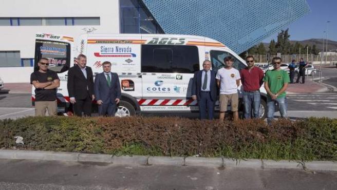 Vehículo de ayuda humanitaria de Guardias Civiles Solidarios