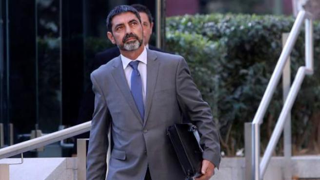 El exmayor de los Mossos d'Esquadra, Josep Lluis Trapero, sale de la Audiencia Nacional.