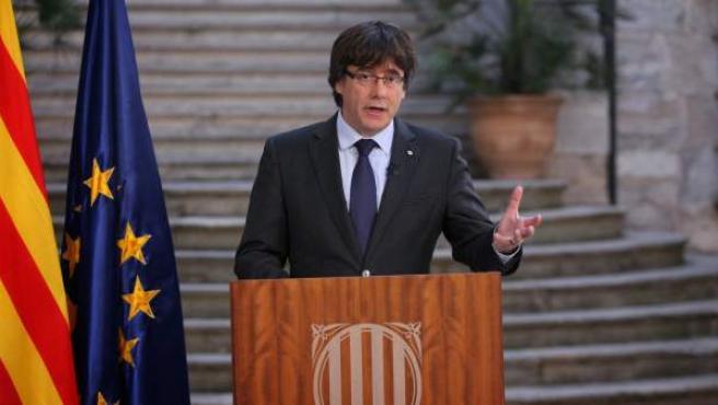 Carles Puigdemont, en una declaración institucional desde Girona tras ser cesado como presidente de la Generalitat.