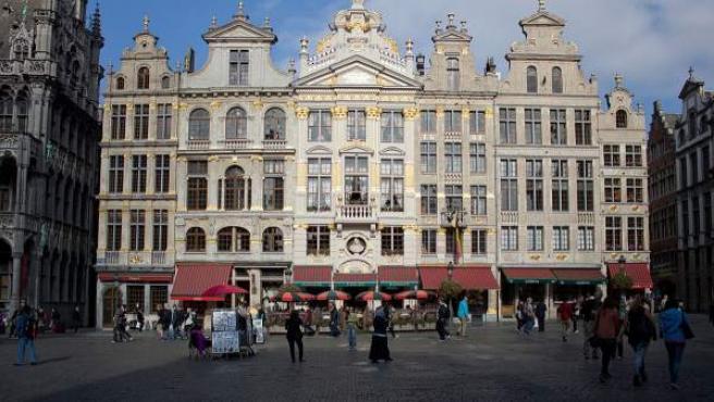 Casas ubicadas en los números 20 a 28 de la Grand Place de Bruselas.