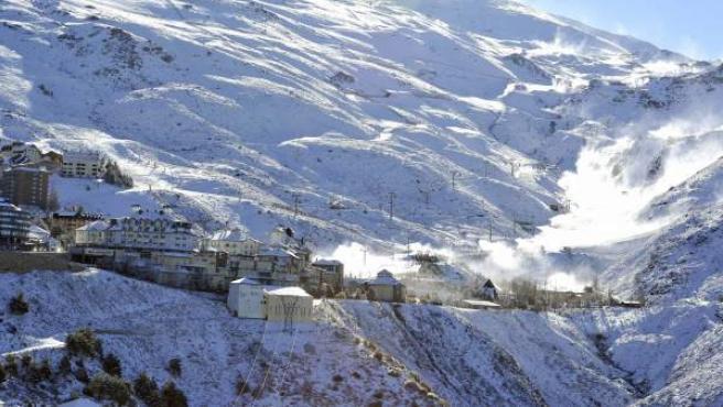 Imagen general de la Estación de Esquí de Sierra Nevada, en Granada.