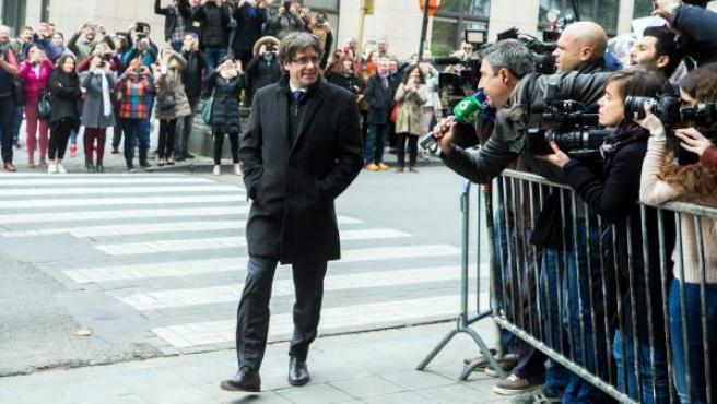 Puigdemont, en las calles de Bruselas.