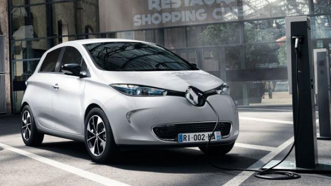 El Renault ZOE Z.E. 40 es un coche que tiene una autonomía real de unos 300 km, más que sus competidores.