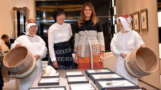 La primera dama de Estados Unidos, Melania Trump y la esposa del primer ministro nipón, Akie Abe.