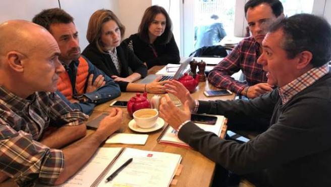 El alcalde de Sevilla, Juan Espadas, encabeza la delegación municipal en la WTM