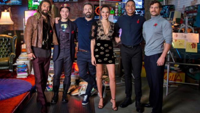 Los actores de 'Liga de la Justicia' inauguran la 'Justice League Experience'