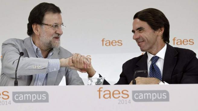 El presidente del Gobierno, Mariano Rajoy, clausuró el campus FAES junto al expresidente José María Aznar.