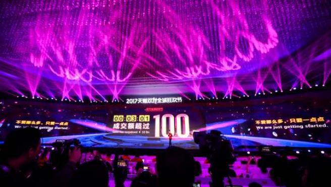 Imagen del festival celebrado en por Alibaba Shanghái para celebrar el Día del Soltero.