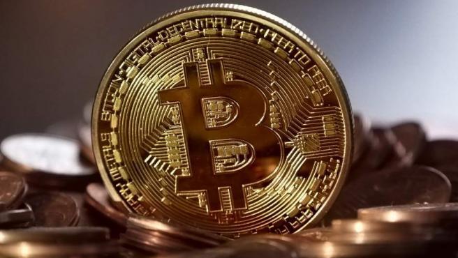Imagen de una moneda virtual Bitcoin.