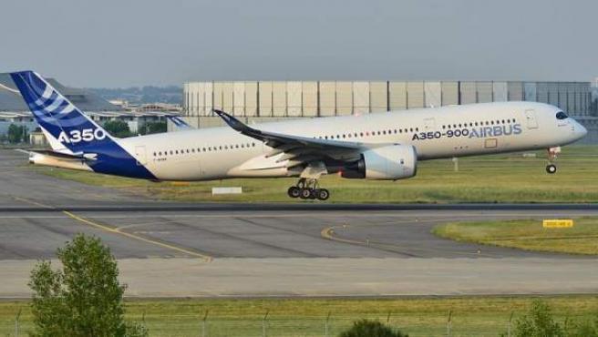 Un modelo Airbus A350-900.