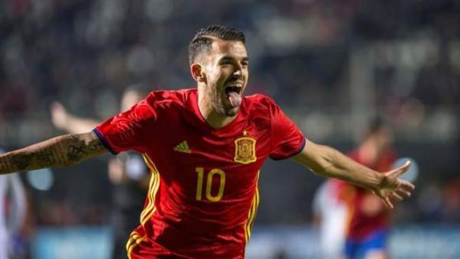 El centrocampista de la selección española de fútbol sub-21 Dani Ceballos celebra el segundo gol del combinado español, durante el encuentro frente a Eslovaquia correspondiente a la clasificación para el europeo de 2019, celebrado en el estadio Cartagonova de Cartagena.