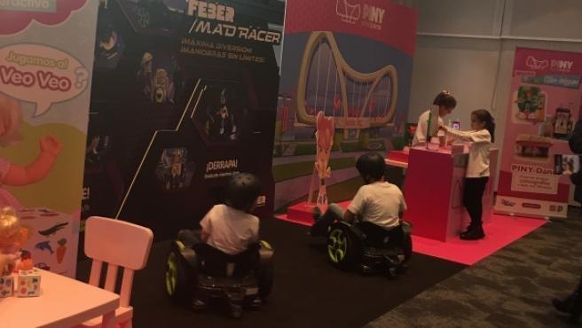 Dos vehículos montables y Piny, una muñeca tecnológica, dos de los productos destacados por el sector esta campaña.