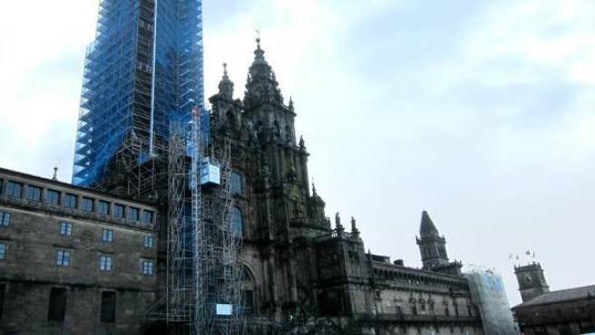 La Catedral de Santiago en obras, con andamios