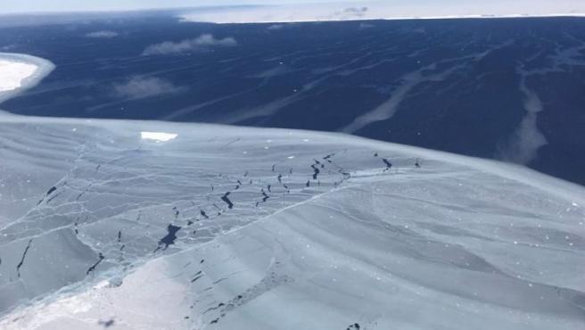 Detalle de las superficie del iceberg 'A 68'