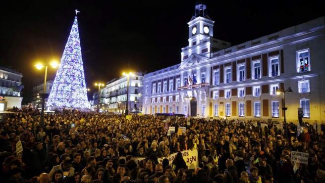 La Puerta del Sol, abarratoda en la protesta contra la violencia machista.