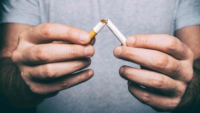 """Dejar de fumar """"es la mejor decisión"""", según los expertos."""