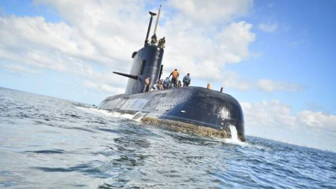 Fotografía sin fecha cedida por la Armada Argentina que muestra el ARA San Juan, el submarino de la Armada desaparecido.
