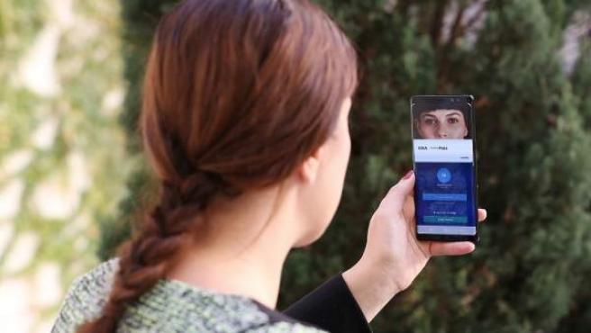 Con Samsung Pass, el móvil disfruta de la máxima protección por autenticación biométrica.