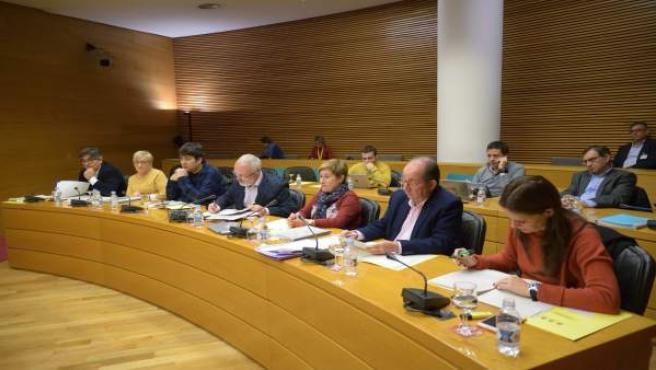 Diputados en la Comisión de Ciegsa en las Corts