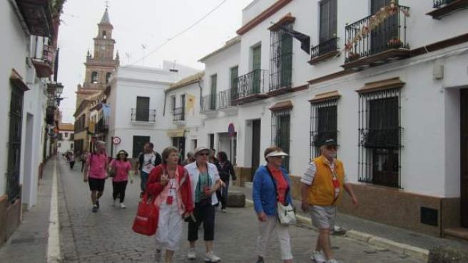 Turistas en Carmona.