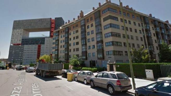 Edificios de viviendas en la plaza Alcalde Moreno Torres, en el barrio de Sanchinarro, Madrid.
