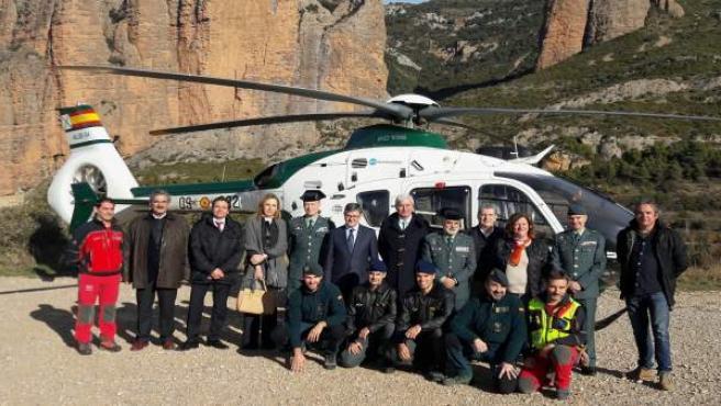 Helicóptero en los Mayos de Riglos