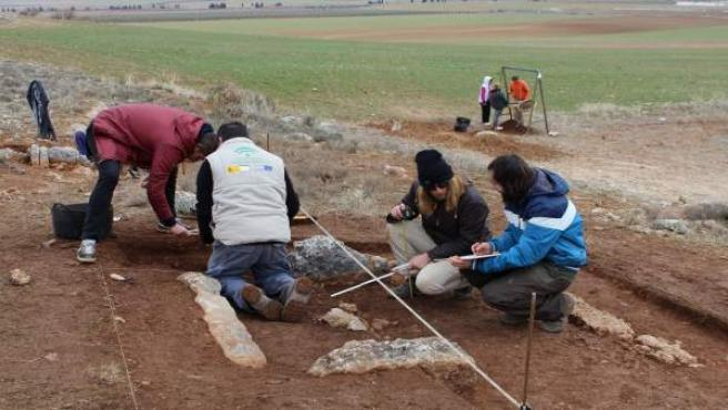 Arqueólogos trabajan en la necrópolis Panoría