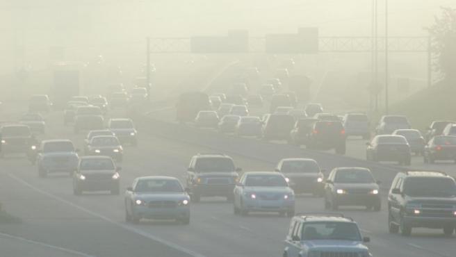 Las autoridades de Bruselas prevén instalar 176 cámaras en 121 puntos de manera progresiva de aquí a finales de 2018 para controlar la circulación de los vehículos contaminantes.