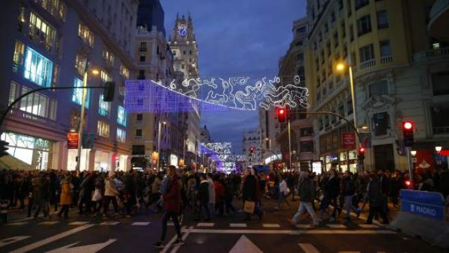 Un despliegue especial del Cuerpo Nacional de Policía reforzará la seguridad en zonas comerciales de gran afluencia de público de toda España durante la campaña navideña.