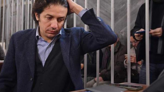 El presidente de la asociación Luca Coscioni, Marco Cappato, comparece en el inicio del juicio por el suicidio asistido de DJ Fabo, al que acompañó a Suiza para morir.