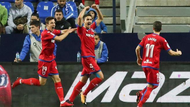 Unai Elgezabal celebra el gol del Numancia ante el Málaga en la Copa del Rey.