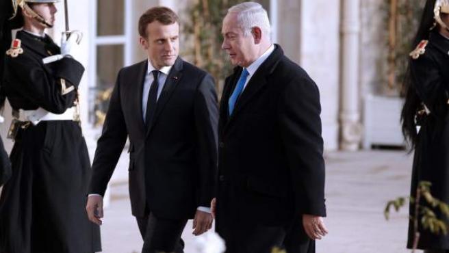 El presidente de la República Francesa, Emmanuel Macron, junto al presidente de Israel, Benjamin Netanyahu.