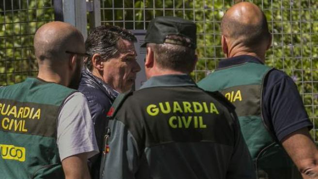 El expresidente de la Comunidad de Madrid Ignacio González es trasladado por la Guardia Civil.