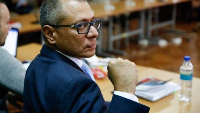 El vicepresidente sin funciones de Ecuador, Jorge Glas, asiste a una audiencia en la Corte Nacional Suprema en Quito (Ecuador).