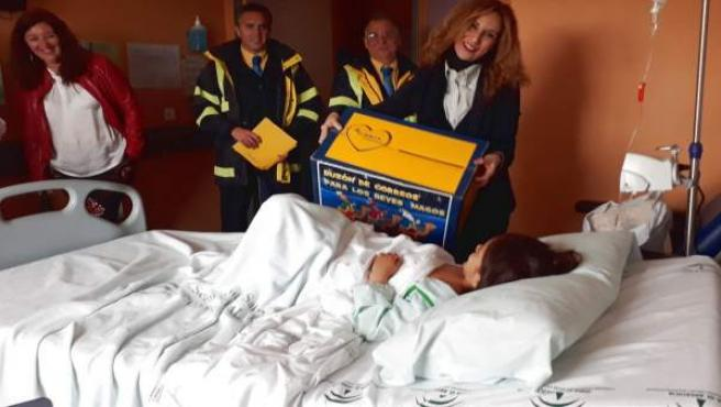 Actividad prenavideña en el Hospital de Valme