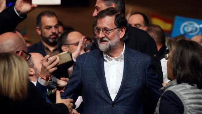 El presidente del Gobierno y del Partido Popular, Mariano Rajoy, durante el acto de campaña en Salou con motivo de las elecciones catalanas del 21-D.