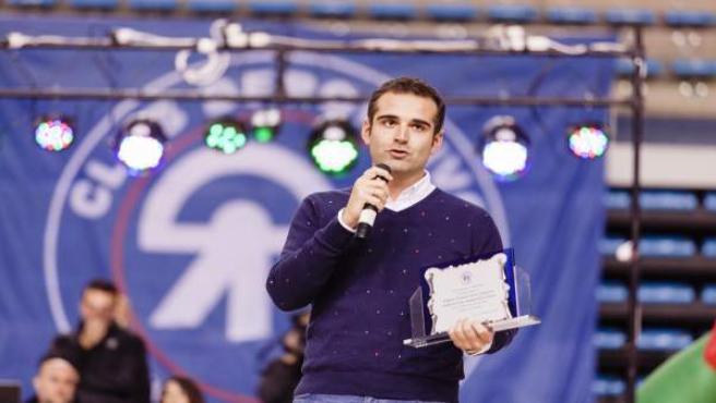 El alcalde de Almería, en una exhibición de gimnasia rítmica de Stella Maris