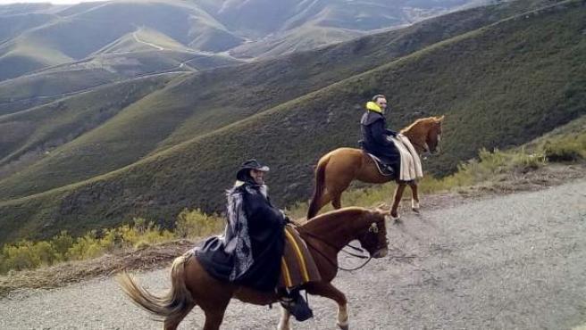Peregrinos a caballa. Camino de Santiago