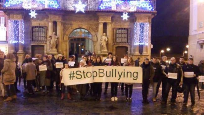 Concentración contra el bullying en Pamplona