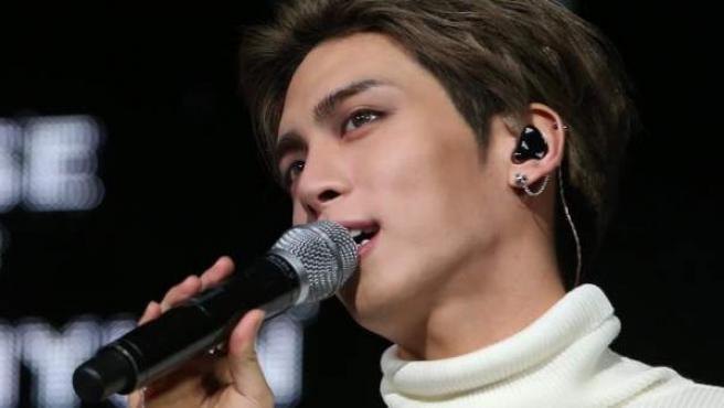 Kim Jong-hyun, conocido como Jonghyun, del grupo de K-pop masculino SHINee, durante un concierto.