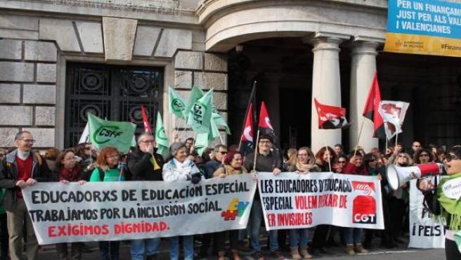 Protesta de educadores en València