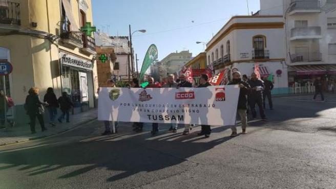 La manifestación de Tussam en la Puerta de Osario.