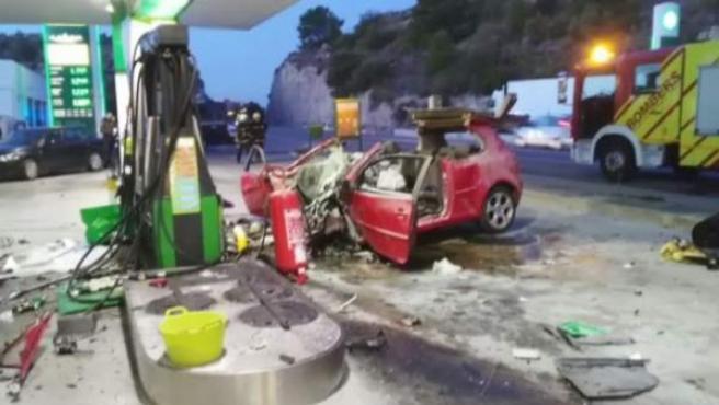Imagen del accidente ocurrido en una gasolinera de Benicàssim, y que la investigación apunta a un posible caso de violencia machista.