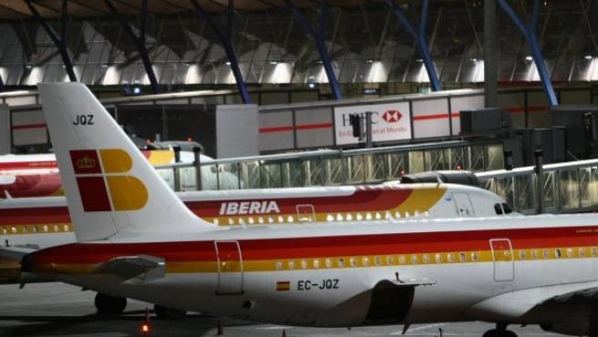 Aviones de Iberia en un aeropuerto.