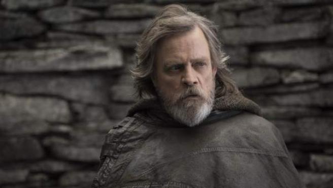 Mark Hamill, caracterizado como Luke Skywalker en 'Los últimos Jedi'.
