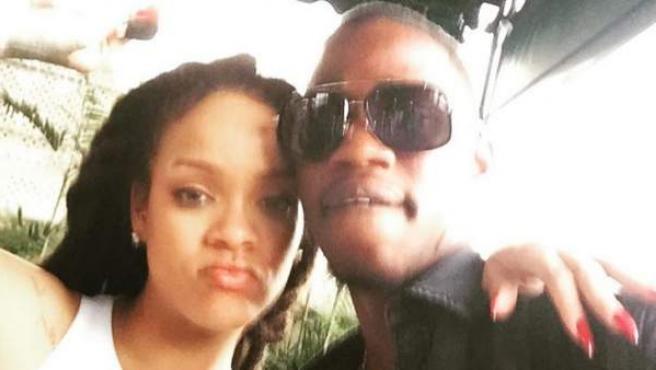 Rihanna y su primo pequeño