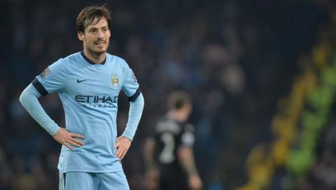 El jugador canario del Manchester City David Jiménez Silva se lamenta tras el empate de su equipo en casa ante el Burnley.